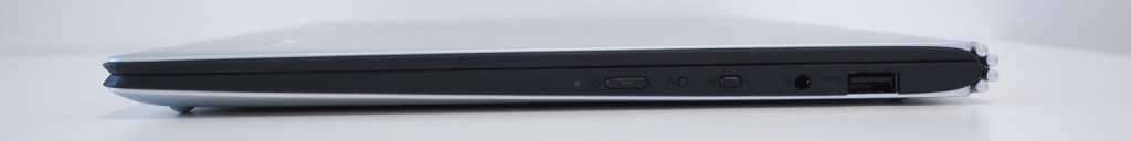 YOGA 900 right side